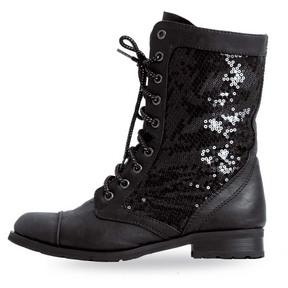Gia-Mia Adult Kombat Boots